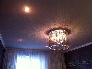 Натяжной потолок в гостиную заказать в Спб